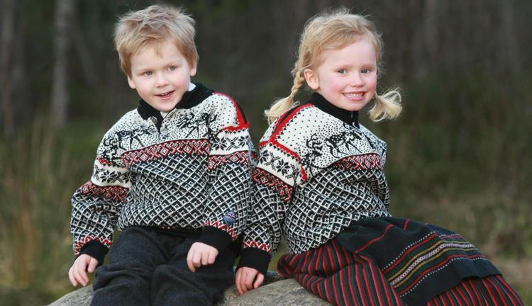 Dovre Sweater - Black & Off white